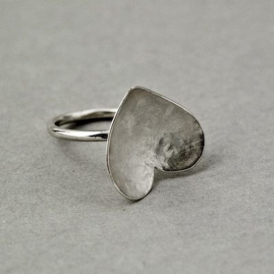 Solo Heart Ring