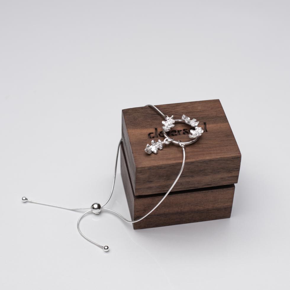 Garland Oak Leaf Bracelet