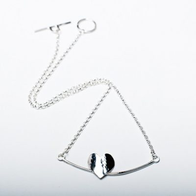 Solo Heart Une Necklace