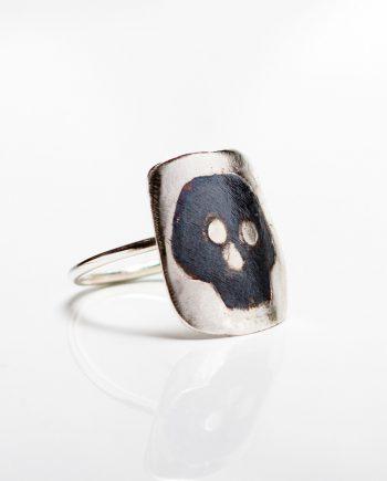 Shield Skull Ring