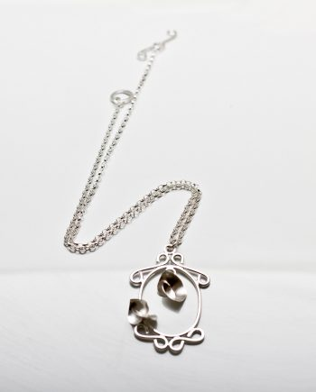 Soul in Link Looking Glass Necklace